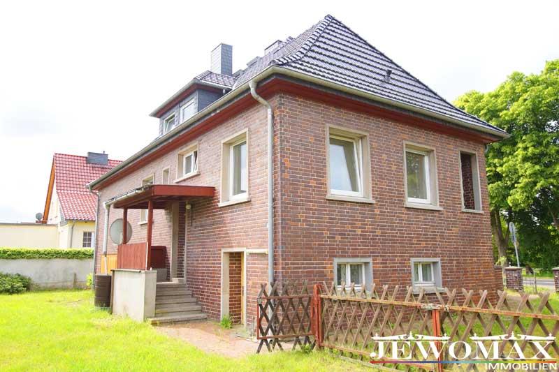 villa einfamilienhaus in meyenburg. Black Bedroom Furniture Sets. Home Design Ideas