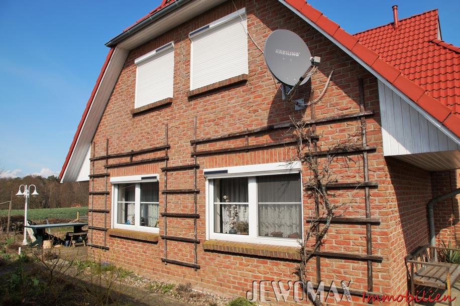 zweifamilienhaus in hartwigsdorf mit 1377 m grundst ck. Black Bedroom Furniture Sets. Home Design Ideas